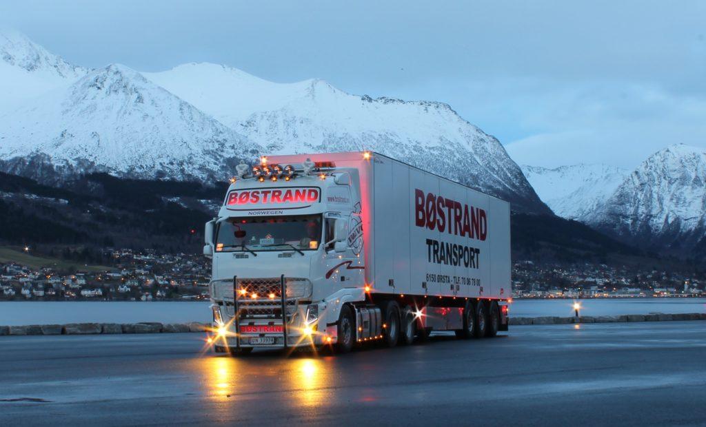 truck 2391940 1920 1024x620 - Opony ciężarowe - kompendium wiedzy